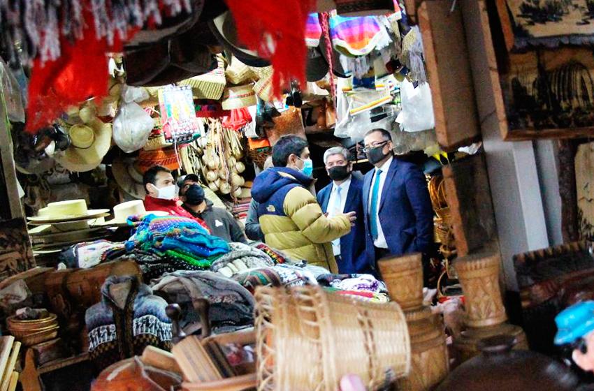 Definen cierre perimetral, accesos, salida y horario de atención en el Mercado de Chillán