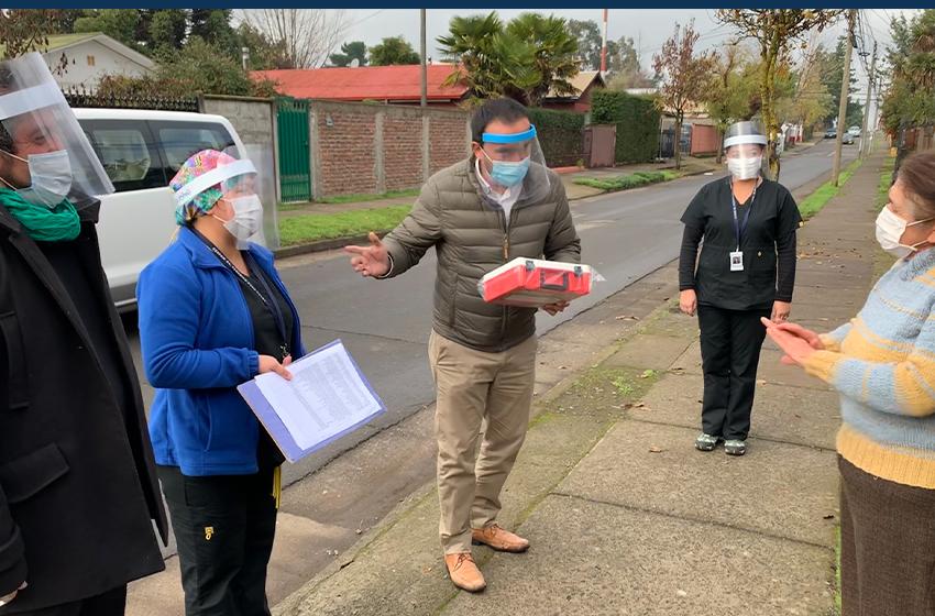 Adultos mayores de Chillán Viejo reciben kit de primeros auxilios