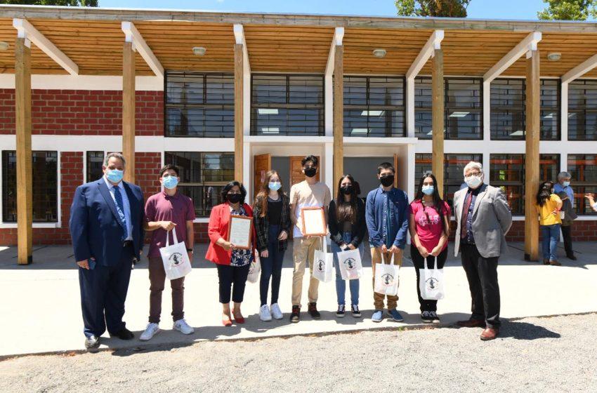 Inédita entrega de premios municipales de Arte 2020 en Quinchamalí