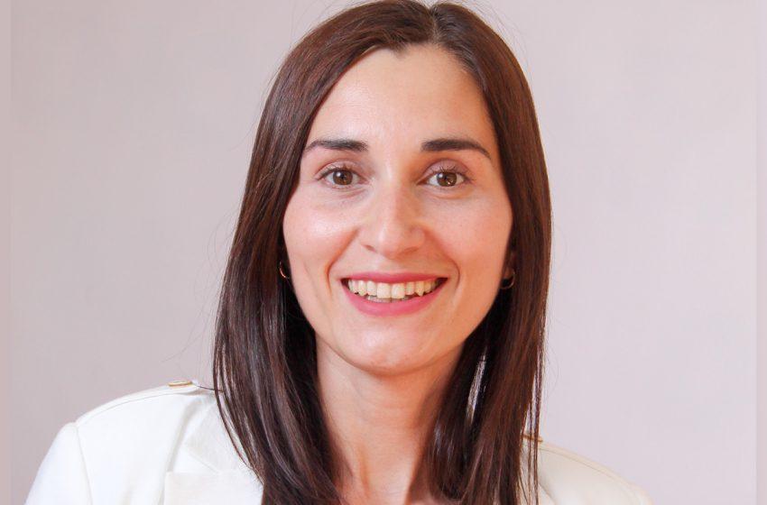 Natalia Betsabé Reyes Lobos, Abogada, Docente y candidata a Constituyente.