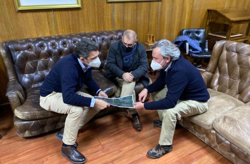 Alcaldes de Chillán y Pinto crean mesa de trabajo para garantizar acceso a sector de Nevados de Chillán a la comunidad